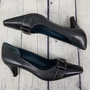 BILL BLASS | black tapered toe pumps heels